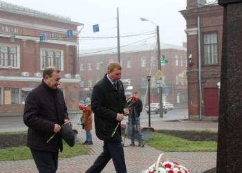 Возложение цветов к памятникам основателям г. Череповца